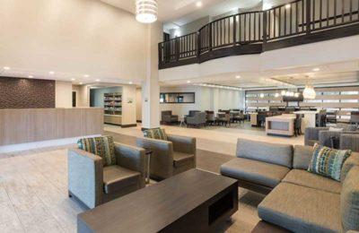 Wingate by Wyndham lobby area